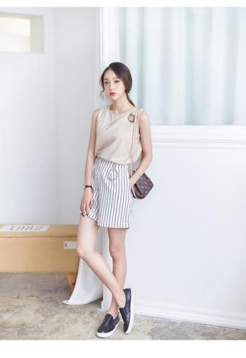 【Z312135】度假海邊休閒風金屬圈環反摺褲管設計條紋棉麻短褲-Manner