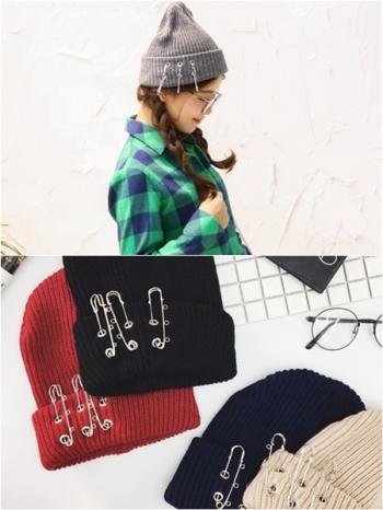 【Z317116】休閒街頭風反摺別針設計保暖毛線帽/針織毛帽/情侶帽-Tally