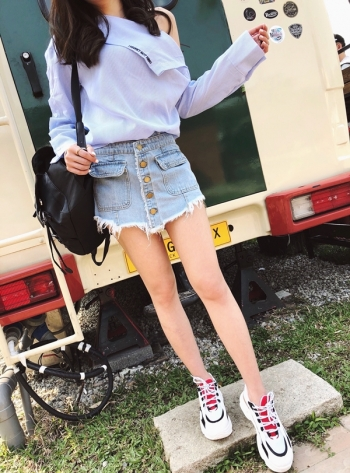 【Z512014】街頭風百搭鬚邊排釦造型假兩件短褲/短裙/單寧牛仔褲裙-Recent