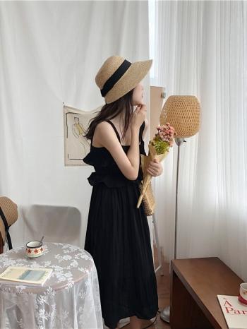 【Z510079】胸口腰際荷葉造型蛋糕層次肩帶長裙/長洋裝/連身裙-Upbeat
