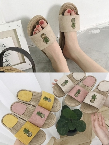【Z515081】鳳梨造型草編拼接麂皮拖鞋/平底鞋/沙灘鞋/休閒鞋-Moira