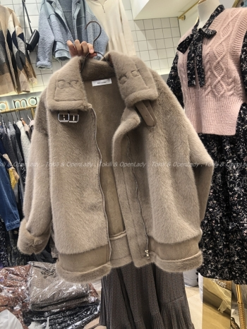 【Z921456】毛絨翻領厚外套