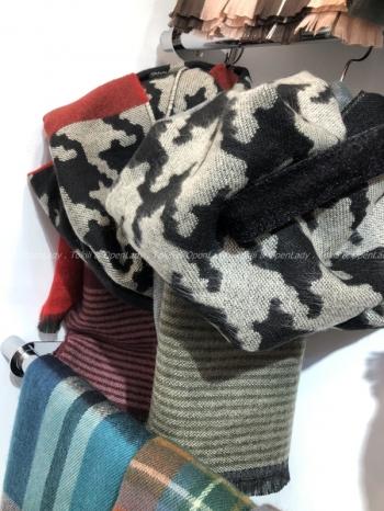 【Z921522】千鳥混條紋圍巾