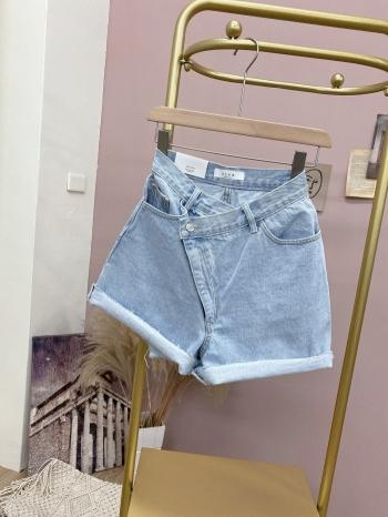 【Z922309】斜設計牛仔短褲