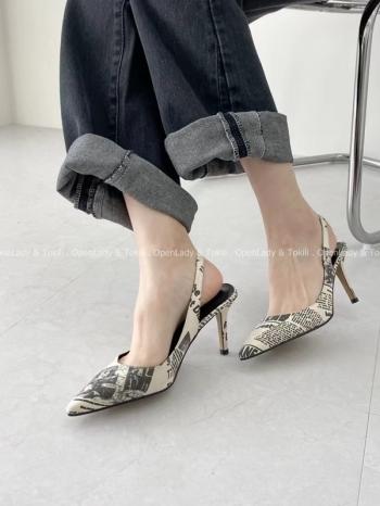 【Z923143】英字感尖頭跟鞋