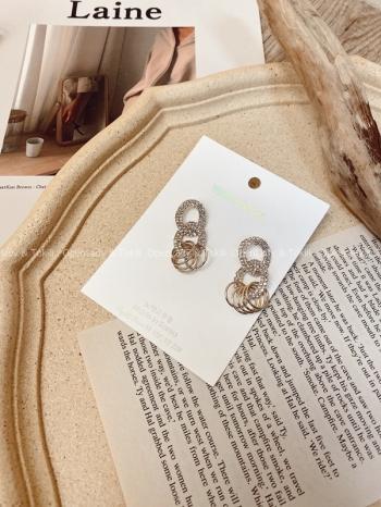 【Z923428】金色圓型鑽感耳環