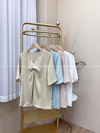 【Z822506】簡約百搭純色緞面上衣
