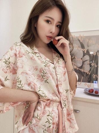 【Z822584】唯美花朵植物緞感睡衣 兩件套裝