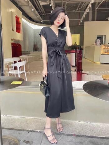 【Z923545】優雅緞面綁帶連身洋裝