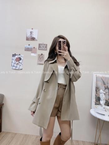 【Z822858】質感排釦短版風衣外套